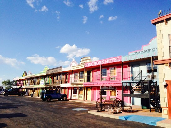 Big Texan Motel: outside