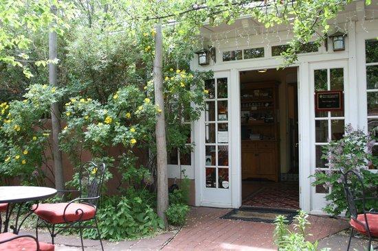 Don Gaspar Inn: Breakfast Room Entrance