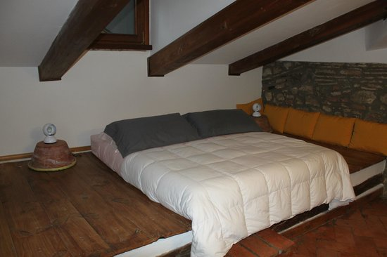 La casa di Adelina Charming House : Part of bedroom (it was much larger :)