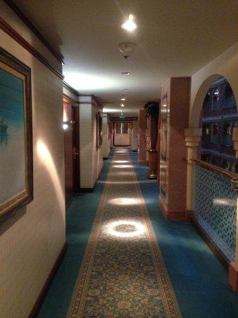 Madinah Hilton : Corridor