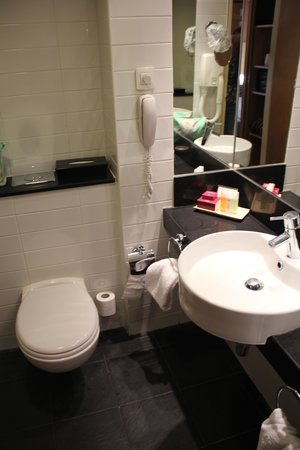Crowne Plaza Hotel Jerusalem: bathroom n2