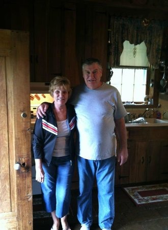 The Old Dr Cox Farm Bed & Breakfast - TEMPORARILY CLOSED: The best couple ever...