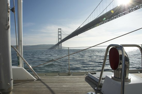 Sail Hasty Heart - Day Tours: Heading for the Golden Gate Bridge on the Hasty Heart