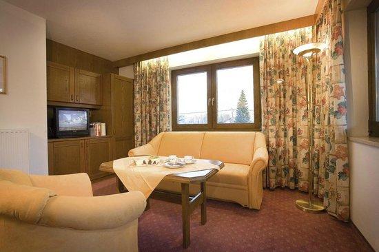 Biohotel Leutascherhof: Wohnzimmer Appartementhaus