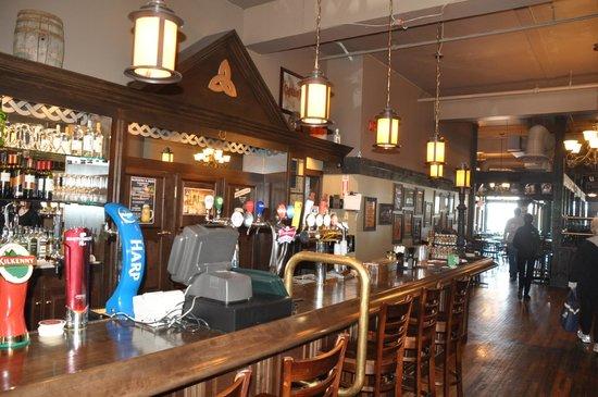 The Old Triangle Irish Alehouse : Inside dining