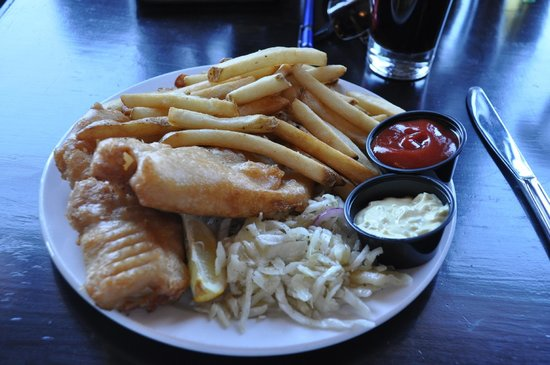 The Old Triangle Irish Alehouse : Fish and chips