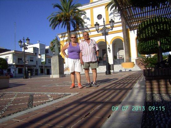 Globales Cortijo Blanco Hotel: en la entrada del hotel