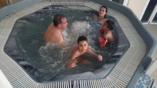 Magic Cristal Park Hotel: relax en el jacuzzi de agua calentita..