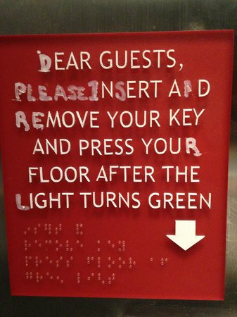Four Points by Sheraton Manhattan Chelsea : Elevator sign.
