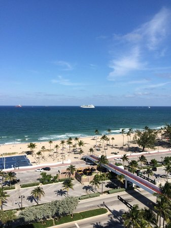 Bahia Mar Fort Lauderdale Beach - a Doubletree by Hilton Hotel: We loved our view!