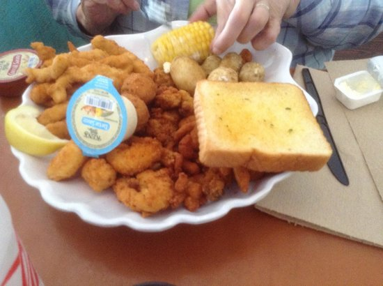 Pineapple Willy's : $26 seafood platter