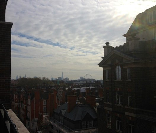 Grosvenor House Suites by Jumeirah Living: Amazing view to London Eye