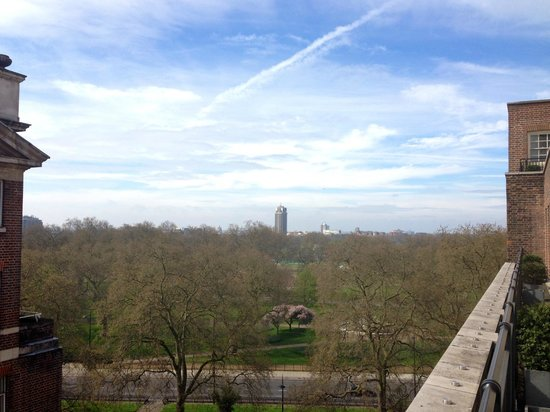 Grosvenor House Suites by Jumeirah Living: Hyde Park - view from the balcony