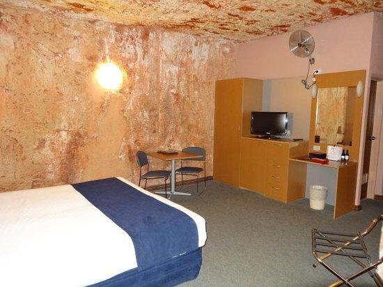Desert Cave Hotel: Inside of underground room
