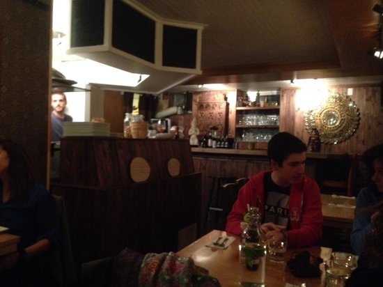 Pamika Brasserie Thai : Inside