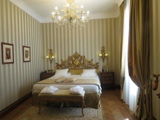 Hotel Ai Reali : Cama deliciosa!!