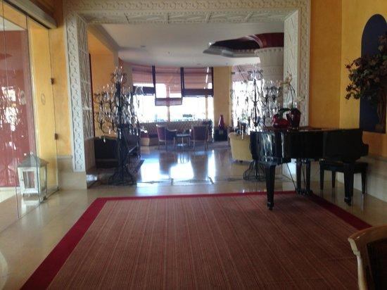 Warwick Palm Beach Hotel: Lobi