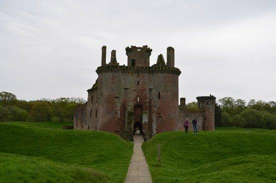 Caerlaverock Castle: frente do castelo