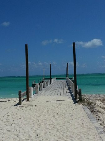 North Caicos : Pier over the most beautiful water