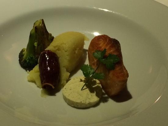 Butterfly: salmon, truffled mashed potatoes, chorizo