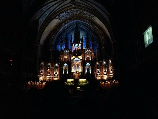 Notre-Dame Basilica: Another with lighting effects