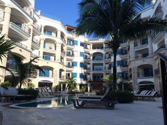 The Royal Playa del Carmen: Coffee House/Pool/Mediterranean Restaurant