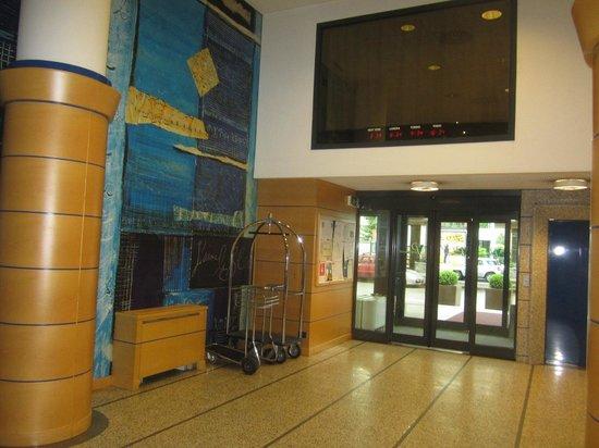 Pacific Hotel Fortino : Холл (ресепшн)