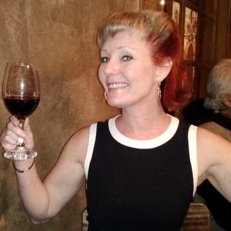 El Kapuyo: Nothing better than good friends, fabulous food, and great wine!