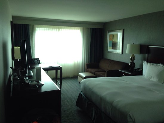 Hilton New York JFK: King executive room