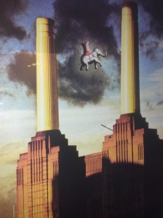 Elephant & Castle Pub & Restaurant: take off of Pink Floyd album cover by restrooms