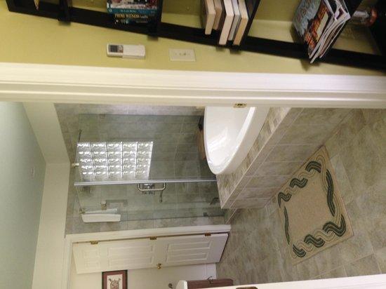 Inn at Huntingfield Creek: Heated tiles floors....awwwww
