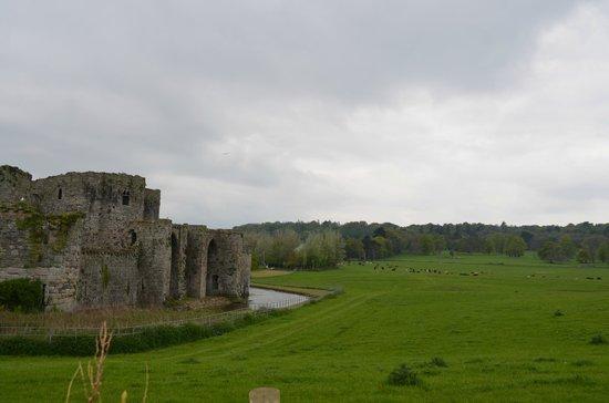 Beaumaris Castle : castelo