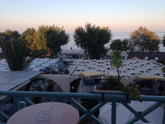 Sea Side Beach Hotel : On the terrace