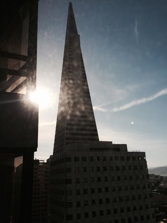 Le Meridien San Francisco : Transamerica tower from my room.