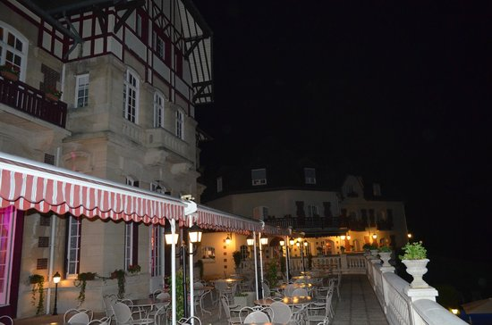 Le Chateau de la Tour : La terrasse haute by night