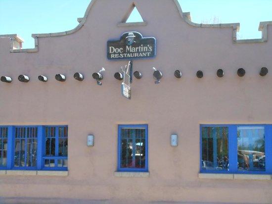 Doc Martin's Restaurant : Facade