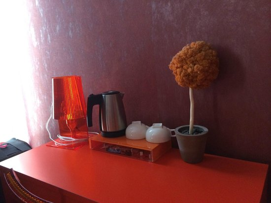 Hôtel Les Jardins de Montmartre : Tea/coffee making facilities good