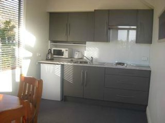 Korohi Vineyard B&B: fully contained kitchenette in the B&B