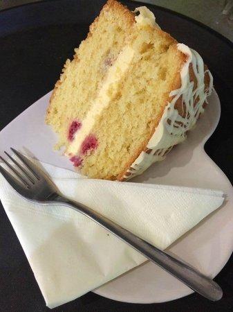 Folly Lake Cafe: Raspberry and white choc cake