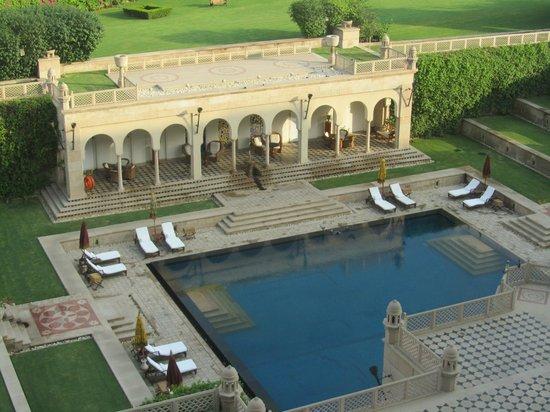 The Oberoi Amarvilas: La piscine tôt le matin