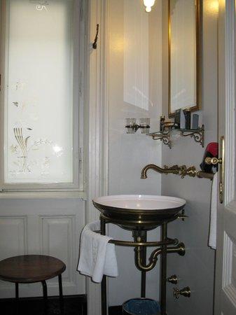 Gerloczy Rooms de Lux: Bath - Room 1 - 5