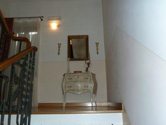 Villa Raffaello Park Hotel: Scale