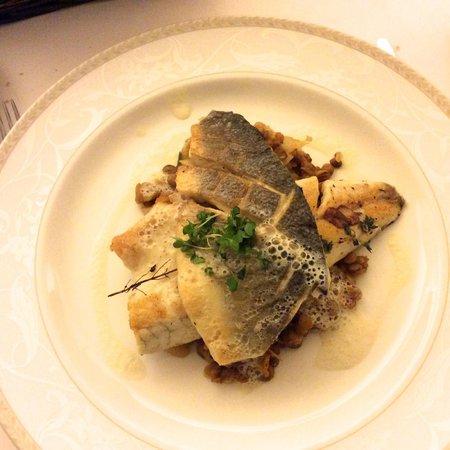 Rhapsody Restaurant: sea bass with lentils