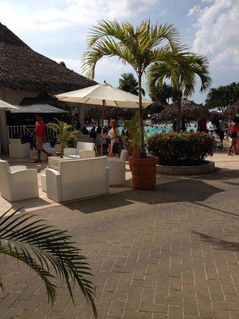 Grand Bahía Principe San Juan: zona piscina
