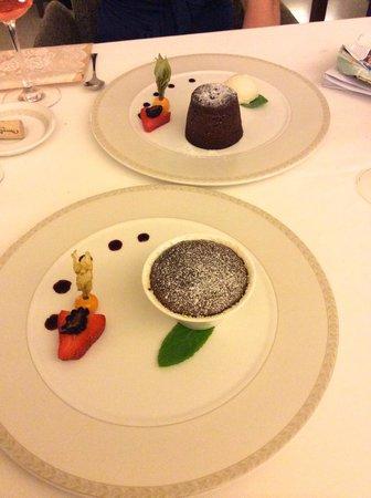 Rhapsody Restaurant: chocolate fondant...yummm!
