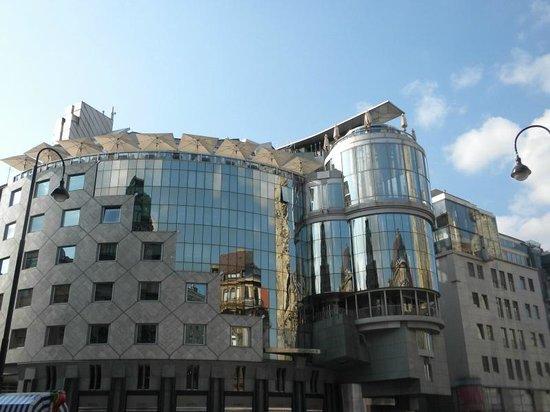 Graben and Kohlmarkt : Alla fine del Graben in Stephansplatz.
