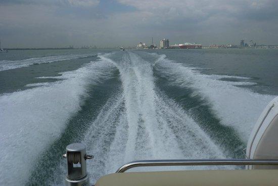Powerboat Days: Raw power!