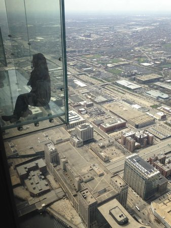 Skydeck Chicago - Willis Tower : Skydeck