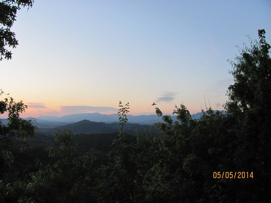Smoky Mountain Lodging: view from the deck