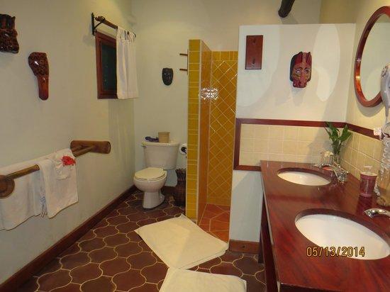 The Lodge at Chaa Creek: my bathroom